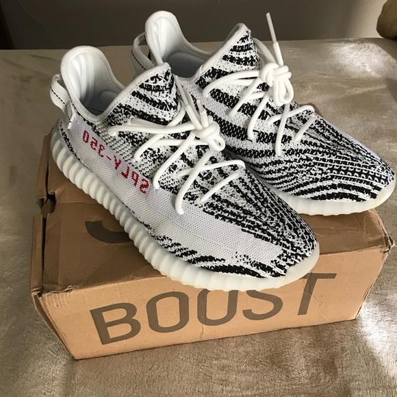 f500449294b Adidas Yeezy 350 BOOST V2 Zebra Size 11.5 Mens